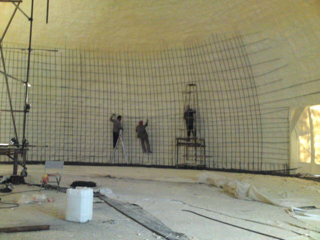 شیوه ساخت سازه های گنبدی بتنی با استفاد از قالب بادی و پلی اروتان